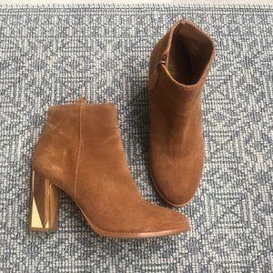 Matisse Tan Suede Booties with Wood Heel, sz 6.5